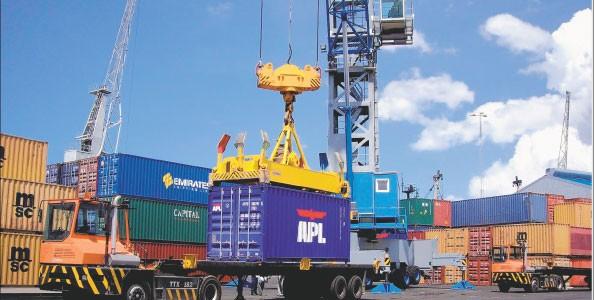 Tanzania, puerto comercial de Tanga