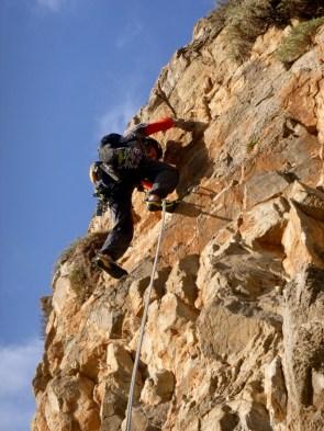 Σκαρφαλώνοντας την τελευταία σχοινιά