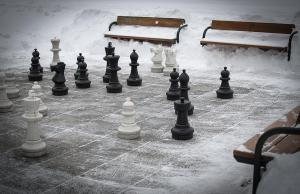 winter-outdoor-chess-andreas-berthold