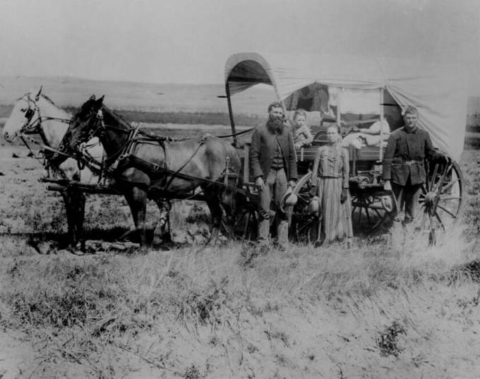 covered-wagon-great-migration