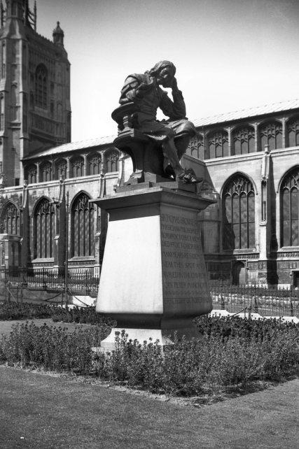 Haymarket Thomas Browne statue [2369] 1938-05-05