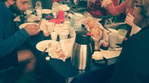 Chaos-Frühstück für 12 1/2. The best kind of Frühstücks. So gemütlich.
