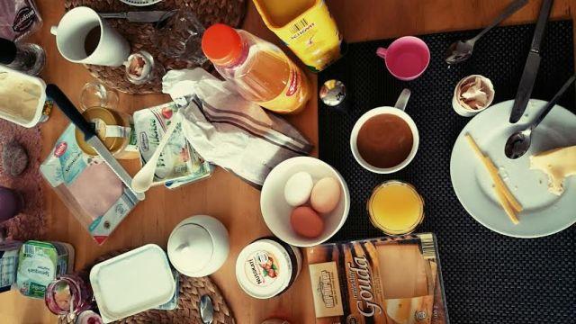 Der Tag begann wie jeden Sonntag mit einem ausgiebigen Frühstück.