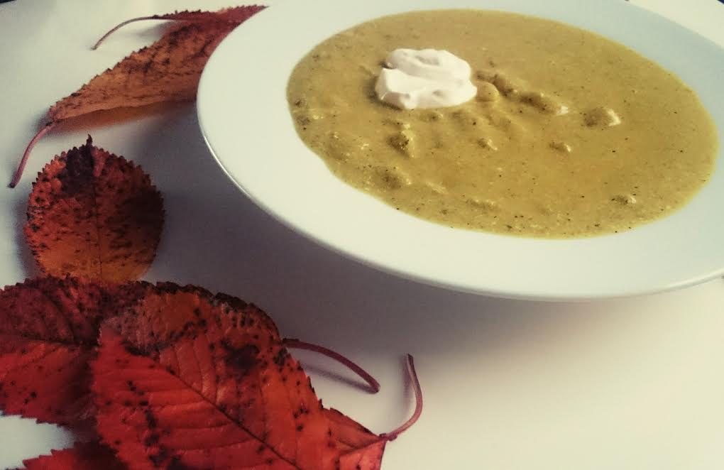 zucchini-curry-creme-suppe-herbst