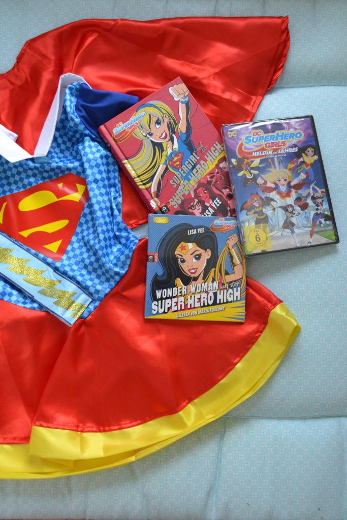 DC Super Hero Girls Warner Bros Entertainment Perlenmama
