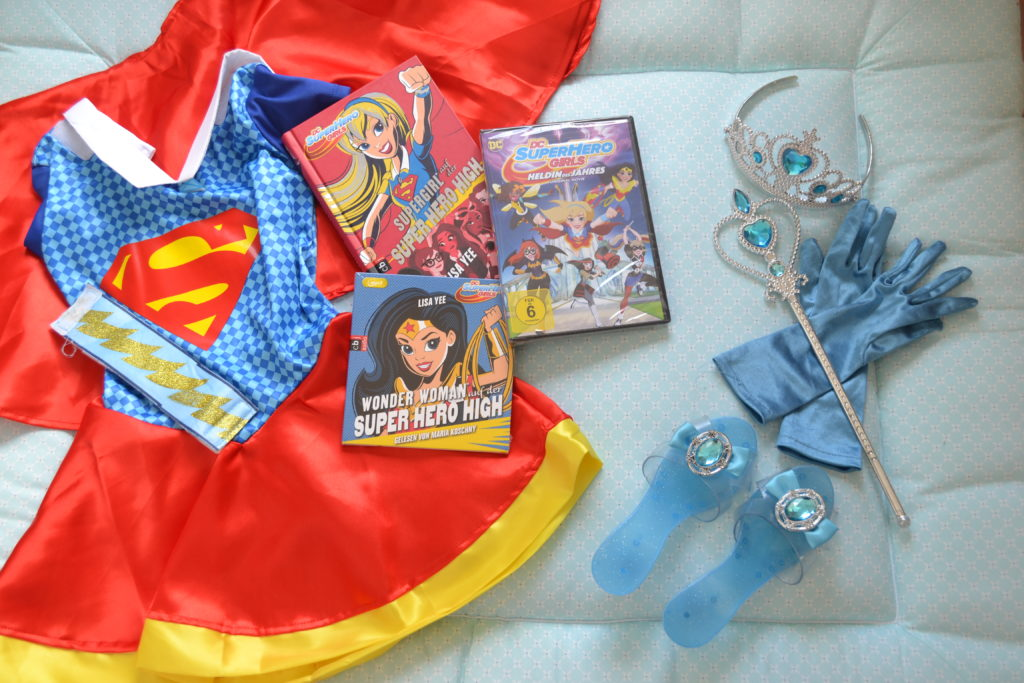 DC Super Hero Girls Warner Bros Entertainment Perlenmama
