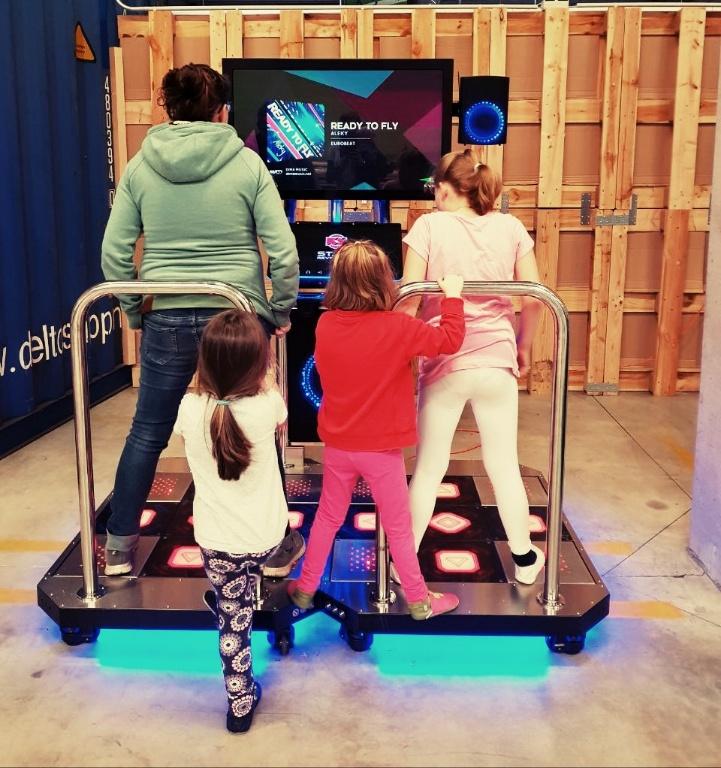 Perlenmama Mädchen Tanzen Videogame Hugodrom Hudora Remscheid