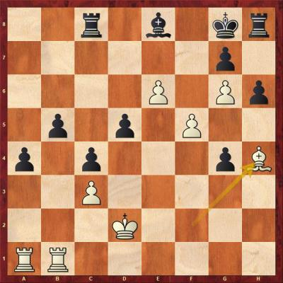Leela Chess Zero - Stockfish 10 (32.Lh4).jpg