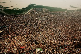 With it's 11 million inhabitants Manika is one of the worldÕs largest and most densely populated cities. The Philippines is the 12th most populated country. Photographer: Mads Nissen