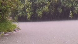 Czasem deszcz nas zaskoczy w drodze:)