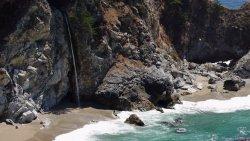 Skaliste wybrzeże Kaliforni