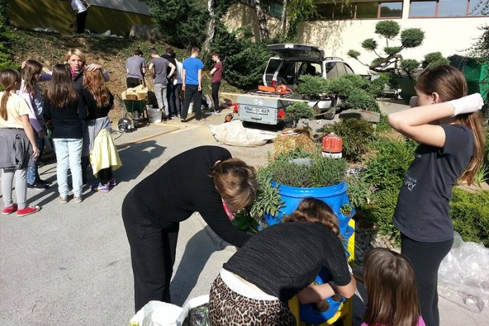 outdoor scuola permacultura bambini