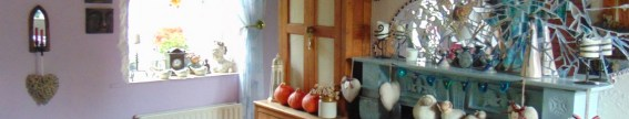 cropped-sitting-room-at-bealtaine-cottage-bealtainecottage-com-002.jpg