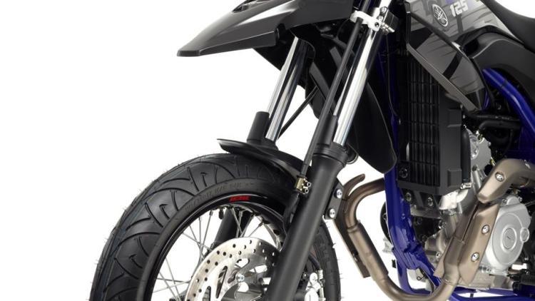 2014-Yamaha-WR125X-EU-Yamaha-Black-Detail-009