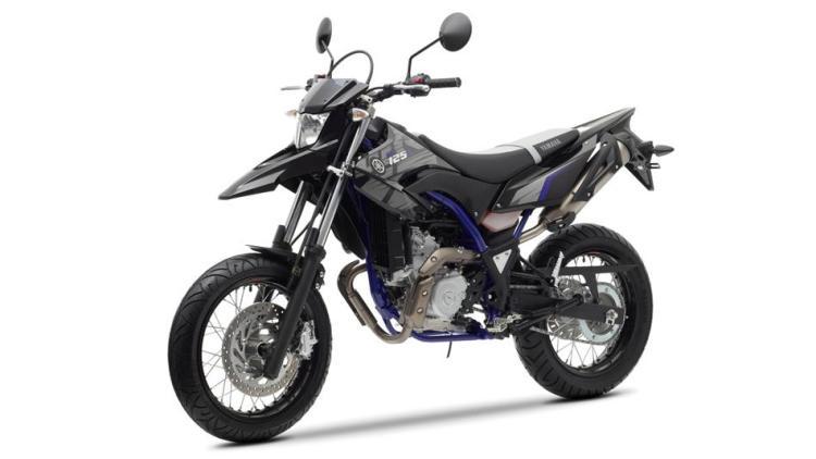 2014-Yamaha-WR125X-EU-Yamaha-Black-Studio-007