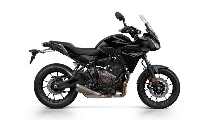 2016-yamaha-mt07tr-eu-tech-black-studio-002