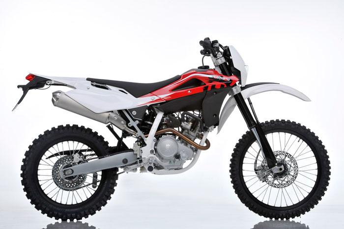 Husqvarna TE125 Dan Rieju Marathon 125 Pro Cerminkan Kesiapan Yamaha Bangun Motor Trail Lokal