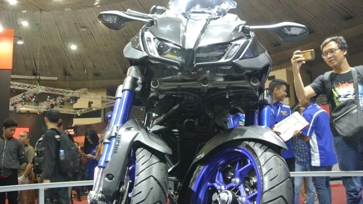 First Impression Yamaha Niken:  Moge Sangar Berkat 3 Roda dan 4 USD di Depan