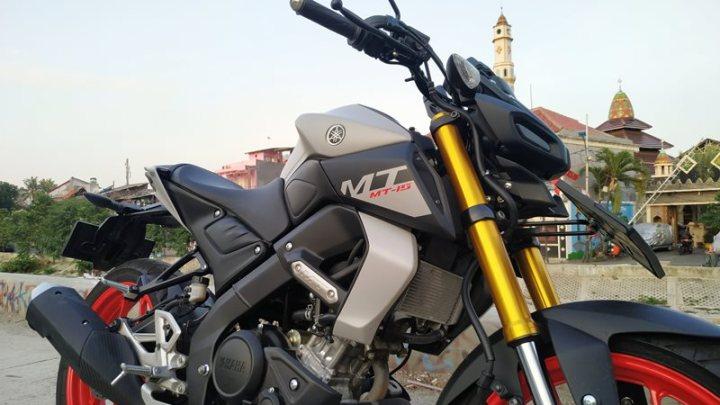 Review Yamaha MT-15: Motor Sempurna Untuk Harian, Sunmori & Touring!