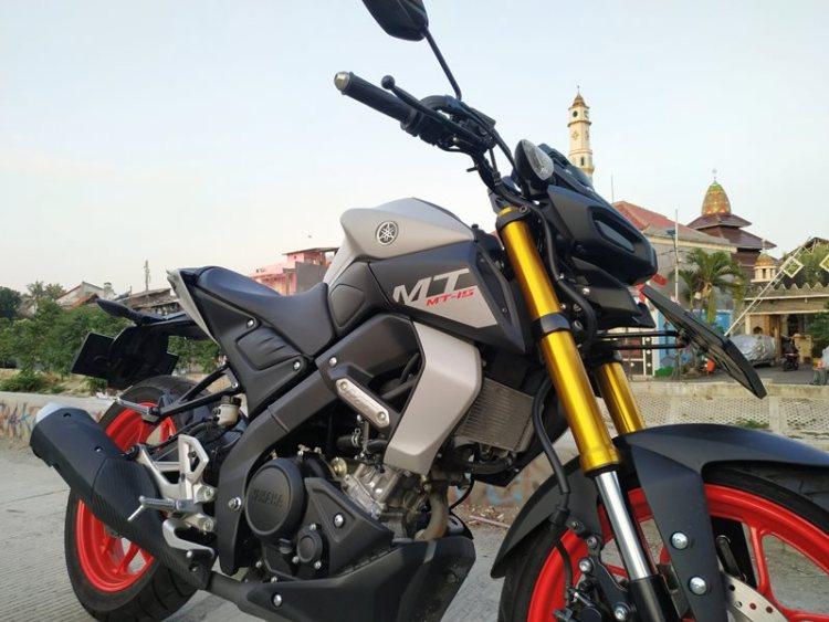 Review Yamaha MT-15