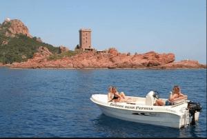 Peut-on conduire un bateau sans permis ?