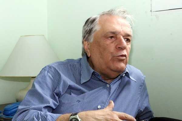 Prefeito de Bezerro renuncia mandato, e vice-prefeito assume
