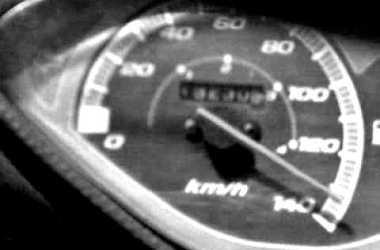 Idosa de 79 anos morre atropelada ao tentar atravessar BR-423