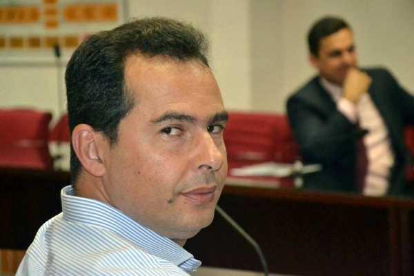 Júnior Darita sofre infarto e faz cirurgia de emergência em Brasília
