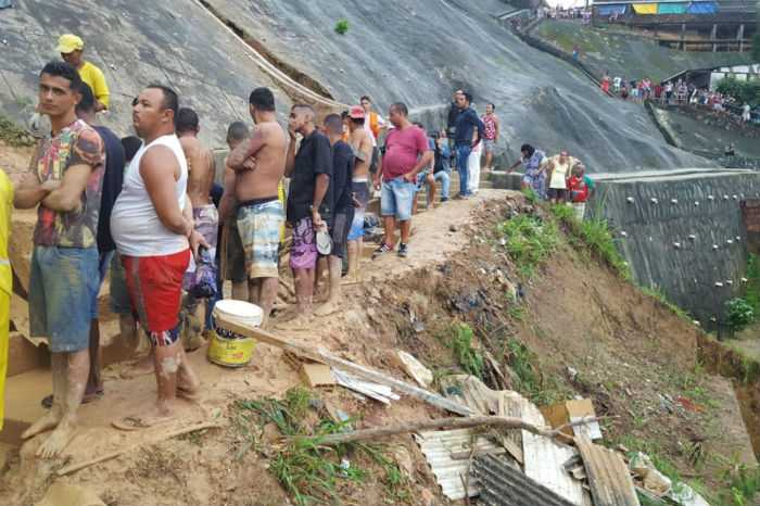 Deslizamento de barreira mata cinco pessoas em Camaragibe; bebê de 11 meses está entre as vítimas