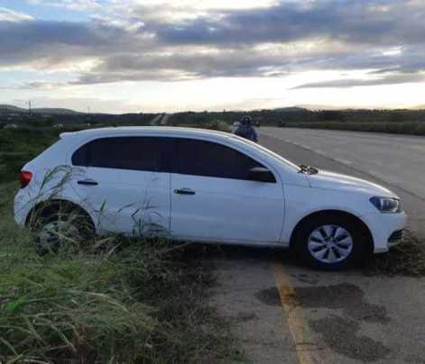 Motorista tem ataque de convulsão e perde controle de carro em Gravatá
