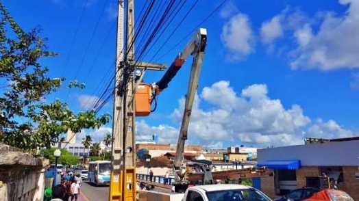 CELPE arranca fios de provedores de internet pirata em Gravatá