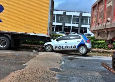 Viatura envolvida em colisão em Vitória não é da DEPOL de Pombos