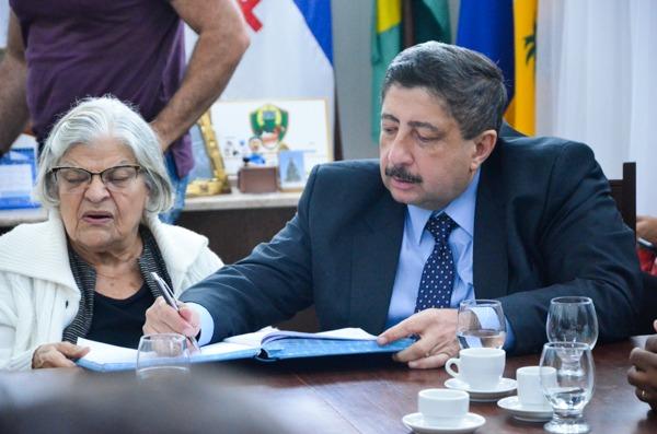 Prefeitura doa terreno para construção de prédio do Tribunal Regional Eleitoral em Gravatá