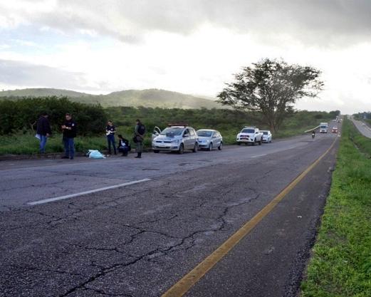 Homicídio: Comerciante de Camocim de São Félix assassinado a tiros às margens da BR-232
