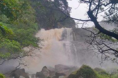 Nível da Cachoeira do Urubu não é crítico, e moradores não precisam ficar preocupados