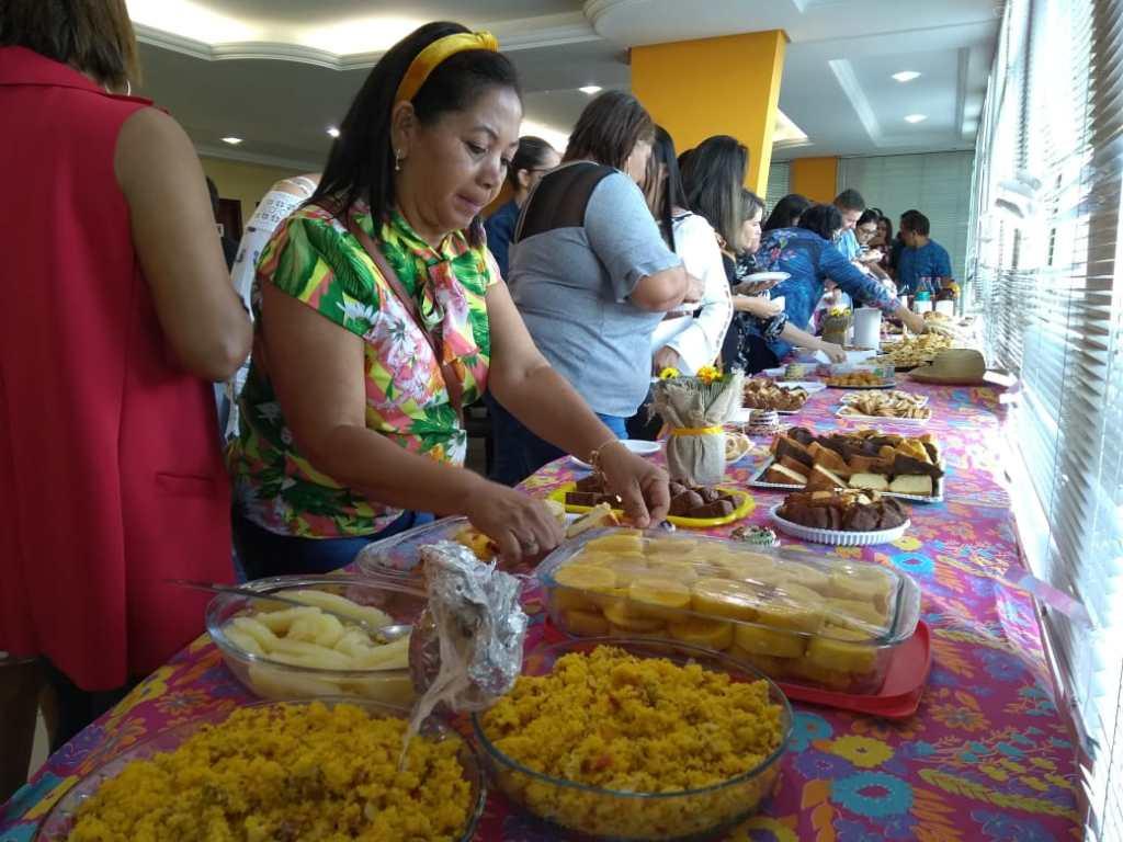 Prefeitura de Gravatá promove café da manhã para celebrar fim do semestre
