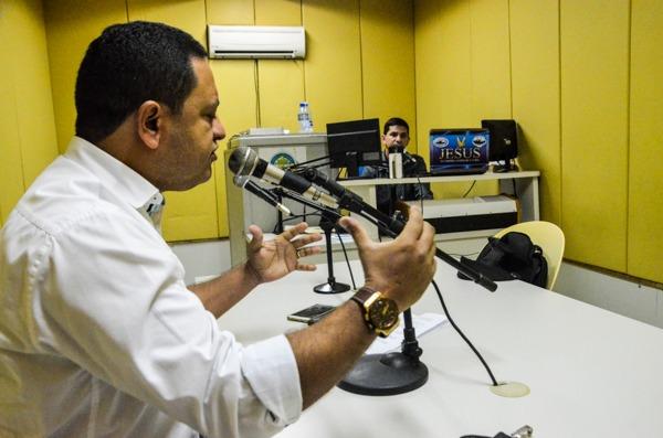 ÁUDIO: Em entrevista no rádio, presidente da Câmara de Gravatá sai em defesa do governo municipal Pernambuco Notícias