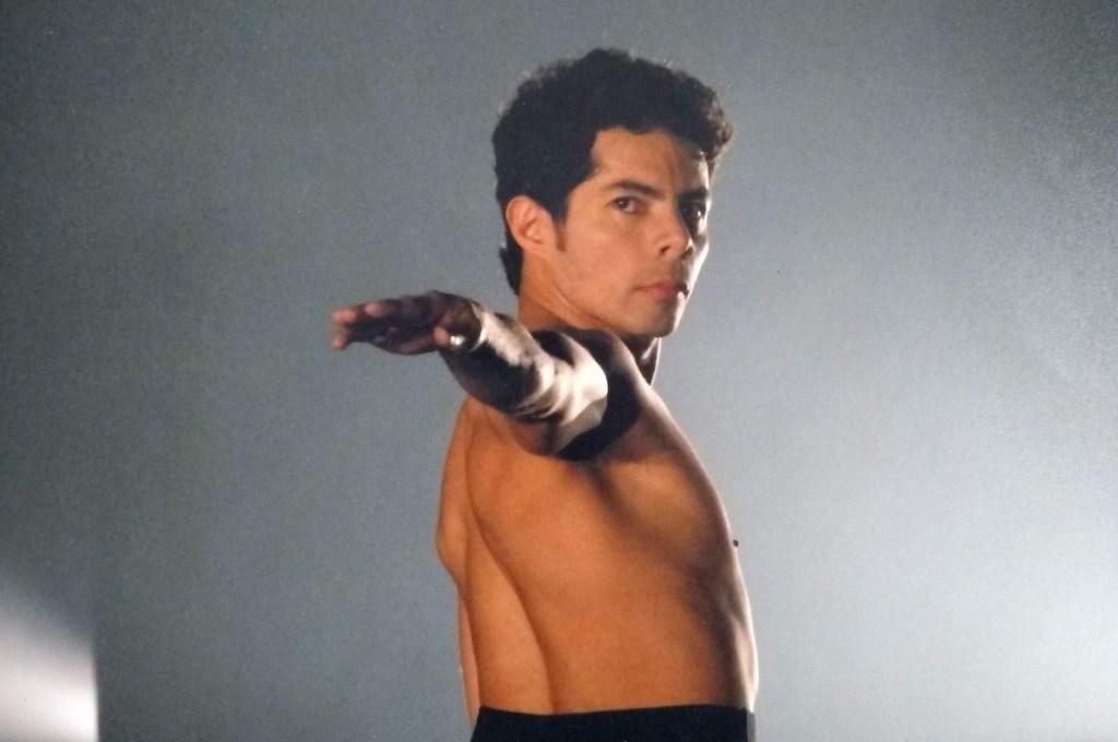 Abaixo do Equador ganha interpretação do bailarino Sérgio Galdino no FIG 2019