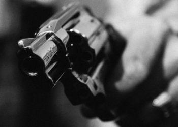 Garanhuns: homem leva tiro durante assalto na frente da casa onde mora
