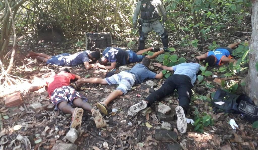 Polícia Militar estoura boca de fumo e apreende seis jovens