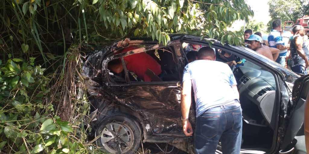 Uma pessoa morre e outras quatro ficam feridas em acidente na Rodovia PE-60