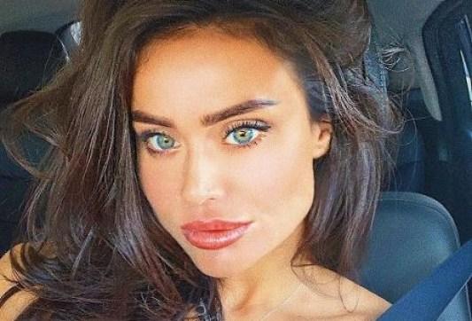 Ex-modelo da Playboy morre engasgada após realizar detox caseiro