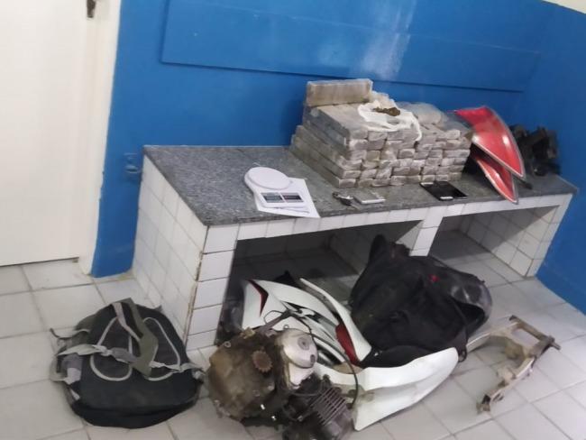 Polícia apreende mais de 50 quilos de maconha em Gravatá; seis pessoas foram detidas