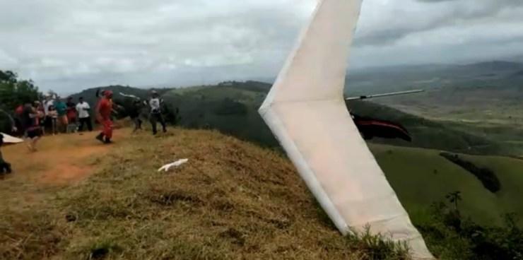 Piloto de asa delta fica ferido após queda no interior de Pernambuco