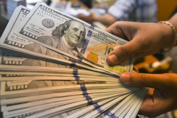 Guerra comercial pelo pré-sal faz dólar bater R$ 4,14