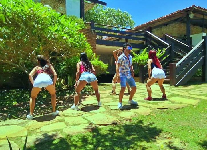 Sucesso: Banda Pikap Turbinada grava clipe da música 'Bumbum no chão'