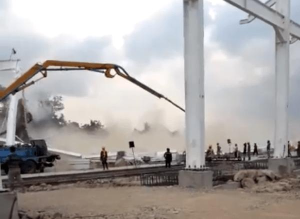 Urgente: vídeo mostra estrutura de ferro desabando em Petrolina