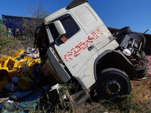Três homens morrem em acidente na Rodovia BR-232