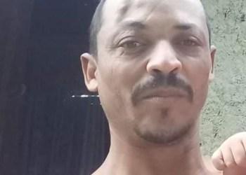 Andarilho barbaramente assassinado a pedradas por adolescente