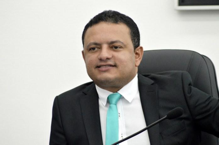 Léo do AR aprova lei que torna Rotary Club de Gravatá entidade de utilidade pública